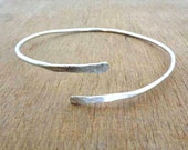 Upper Arm Cuff ,Arm cuff,Armlet,simple armband silver armlet Silver plated, Tribal Armlet, gypsy armlet,wire arm cuff