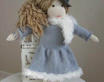 Doll handmade knitted a single girlfriend!