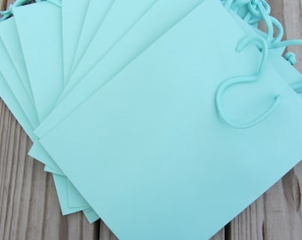 50 Pack - Turquoise Gift Bag with Handle 8x4x10 Heavy-Weight Paper