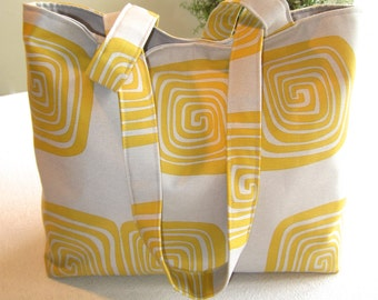 Handbag in Gray/Lemon Spiral Print
