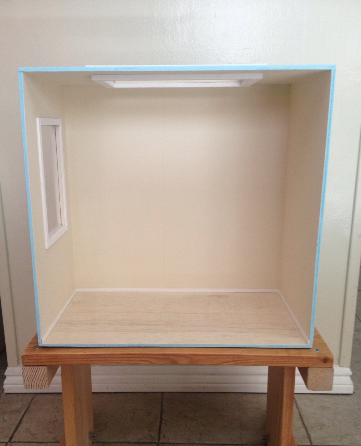 Empty Room: 1:6 Scale Empty Room Box W/modern Skylight And Window For