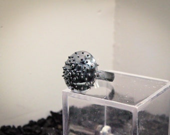 Granulation ring made of silver with patina