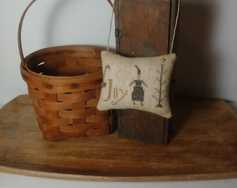 Primitive cross stitch Joy sampler hanging cupboard tuck pinkeep