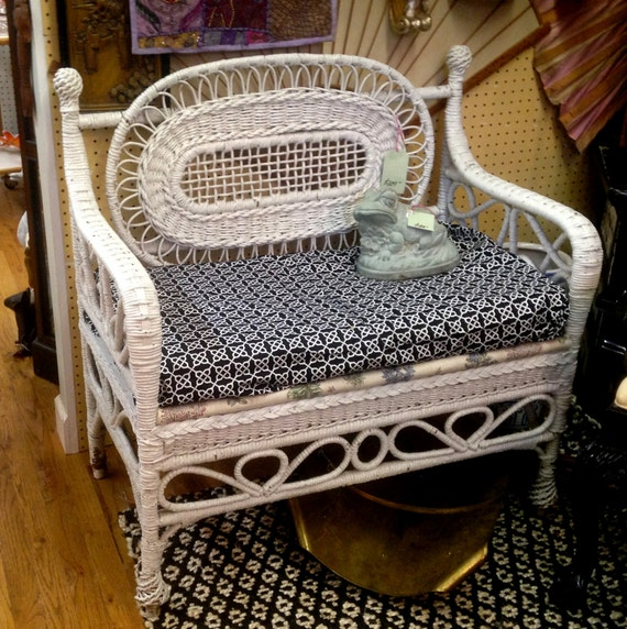 Victorian Wicker Sette Bench White With Upholstered Seat
