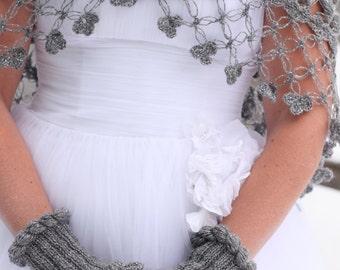 Bridal Gloves, Wedding Gloves, Mittens, Wrist warmer, Ruffle Gloves, Hand Knit Bridal Gloves, Fingerless Bridal Gloves,Winter Wedding Gloves