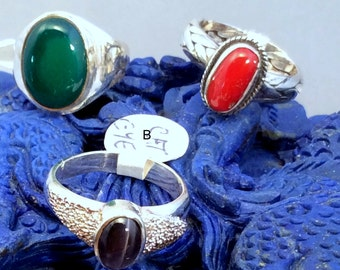 Size  7.5 or 7.75 Sterling Silver Ring. Red Coral, Black Cats Eye Chrysoberyl or Green Onyx. free US ship