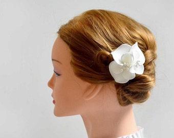Ivory hair flower White hair flower Bridal hair comb Flower girl headband Bridal flower Ivory fascinator Bridesmaid comb Ivory hair comb