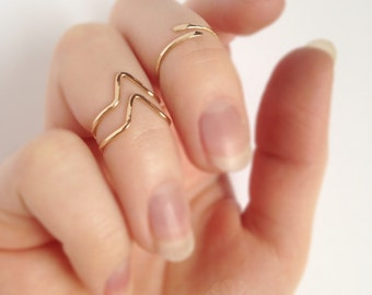 14k Gold Filled Hammered Chevron Midi Rings Set - Simple Rose Gold or Yellow Gold Knuckle V Rings -  Adjustable Chevron First Knuckle Rings