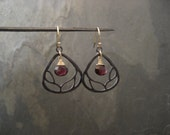 Branch earrings with Garnet - black sterling silver and goldfilled