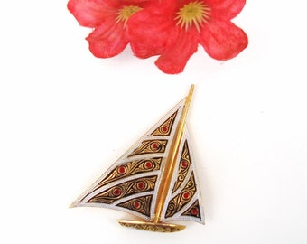 Vintage Enamel Brooch | Sailboat Pin | Scarf Pin | Damascene Jewelry | Sail Boat Jewelry | Gold Boat Brooch
