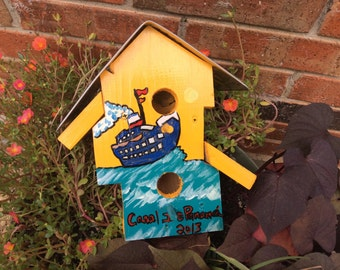 Panama: Abstract, Hand Painted License Plate Birdhouse