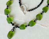 Olives: elegant seaglass, Bali silver & Swarovski necklace