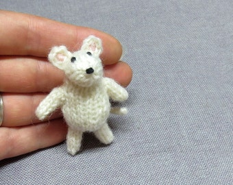 Magnet - Mighty Mouse - Knitted and Crocheted