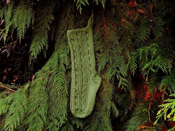 Knitting Picking Up Stitches For Band : PDF Knitting Pattern Bavarian Twist Stitch Christmas Stocking from MountainMi...
