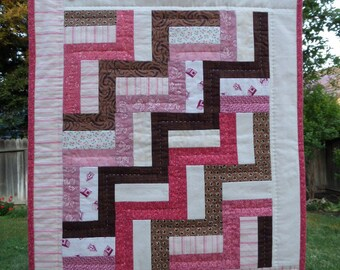 """Neapolitan Rail Fence Mini Quilt, Doll Quilt, 16"""" x 19"""", Handquilted"""
