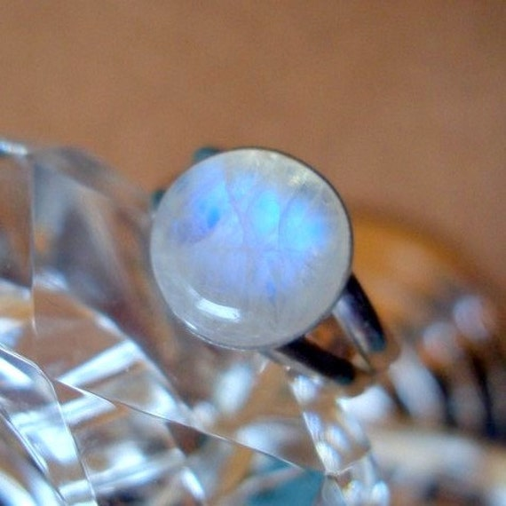 Round Twilight inspired ring Bella look Rainbow Moonstone .925 sterling silver - custom size