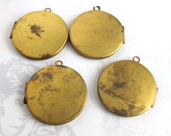 Vintage Round Engraving Lockets (2X) (L508)