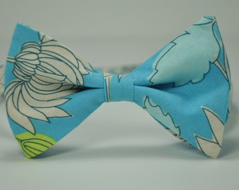 Men's Bow Tie Blue Chrysanthemum Aqua Bowtie
