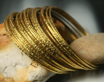 Stacking Bangles, Stacking Bracelets, Solid Brass Bangles, Handmade Bangles, Hammered Bangles, 2 pcs (item ID RBBT58)