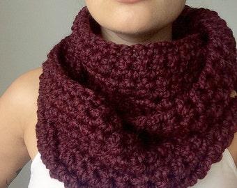 Infinity scarf cowl in Merlo