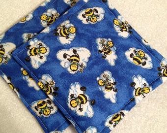 Bee Print Potholders set of 2