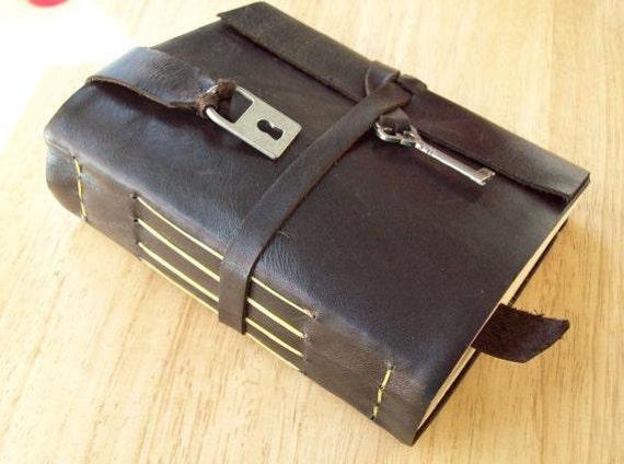 USA MADE! Brown Lock & Key Personalized Rustic Leather Journal Sketchbook Notebook Wedding Guest Book Travel Journal in Dark Brown
