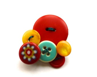 Button Cluster Pin in Red, Yellow and Aqua Blue