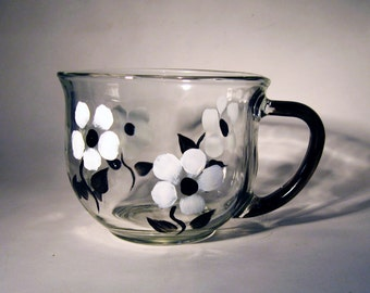 Black and White Floral Tea Cup