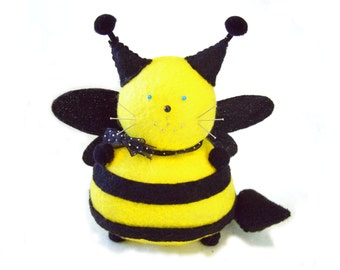 Bee pincushion, Black yellow bee, Cute felt bee-cat, Striped pincushion, Stuffed honey bee, Soft sculpture, Bee keeper gift, Cat lover gift