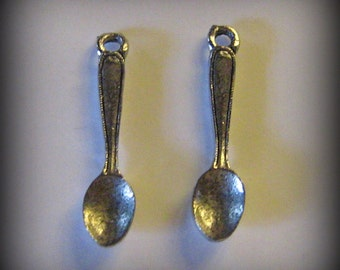 4 Silver Pewter Spoon Charms (qb12)