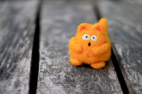 Needle felted cat - Mesmerized Amazed Kitty Felt Plushie