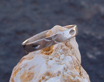Ring, Vintage Silver Artisan Stackable Band Unisex