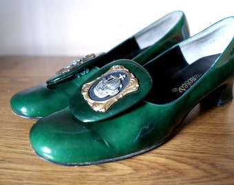 1960's Hunter Green Patent Leather Heels with Pirate Ship Medallions