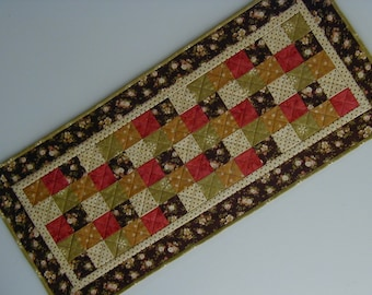 Quilted Table Runner - Five Patch (EDTRK)