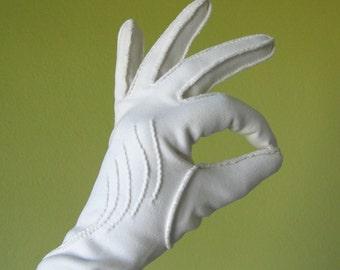 White Vintage Gloves - Stitched Detail Decoration - White Wedding - Bridal Gloves