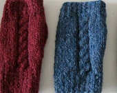 Single Cable Fingerless Glove Pattern Using Straight Needles