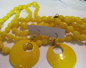 Sunny yellow necklace plus