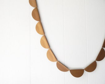 Gold Scallop Shimmer Garland