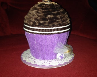 Faux/Fake cupcake box—chocolate brown frosting; memento box; birthday gift; party favor