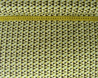 Camelot • Fruit Stand • Geo in Citron • Cotton Fabric 0.54yd (0.5m) 001974