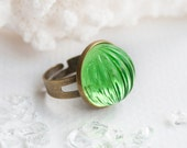 Garden of Dreams - ring | vintage, cabochon, bright, parakeet, peridot, lime, green, yellow-green, cocktail ring, cute, bridesmaid, jewelry