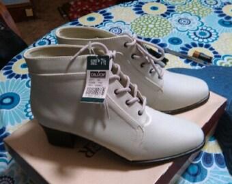 Laura Taylors Granny Boots