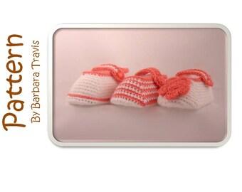 Crochet Pattern Baby Slipper Bootie 3 Sizes 3 Styles