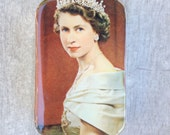 Queen Elizabeth gift tin, large pill box wallet