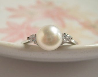 Faux Diamond Classic Pearl Ring, Adjustable Size