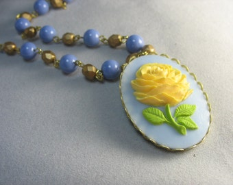 rose cameo necklace ... beautiful yellow rose cameo on beaded chain