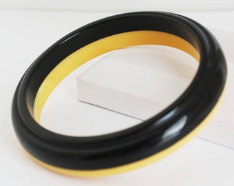 Vintage Bakelite Bracelet Yellow & Black Bangle