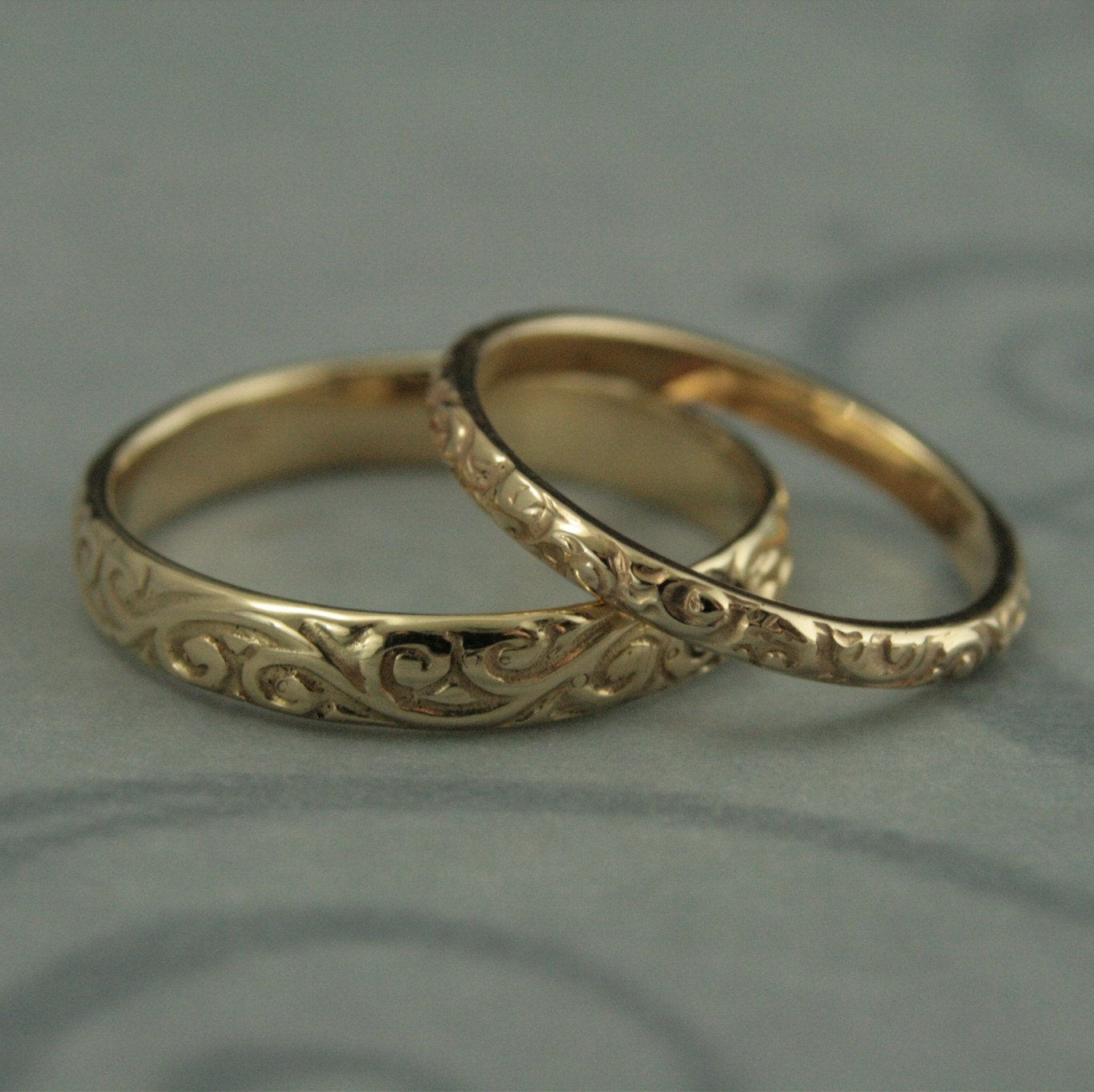 vintage style ring vintage style wedding rings Patterned Wedding Band Set Vintage Style Wedding Rings His and Hers Set Antique Style Rings 14K Gold Rococo Flourish Set His and Hers Bands