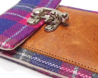 Smartphone wallet - gray and pink plaid