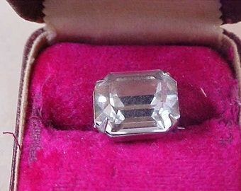 CHARMING - Emerald Cut Diamante Silver Plate Pin/Brooch